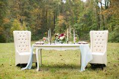 Romantic Red and Blue Wedding Inspiration via TheELD.com | Jill Doty Photography