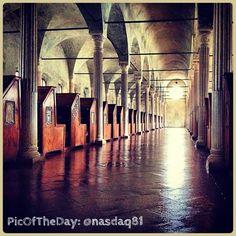 Oggi la #PicOfTheDay di #TurismoER è in visita alla bellissima Biblioteca Malatestiana di #Cesena. Complimenti e grazie a @nasdaq81