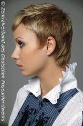 Short feminine hairstyle