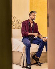 "Dhakad chora Gadar Killer looks ""Hardik"" 😍😘😍 Cricket Wallpapers, Hd Wallpapers 1080p, Mumbai Indians Ipl, India Cricket Team, Heat Fan, Photos Hd, Blue Army, Cricket News, Sports Stars"