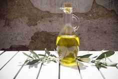 10 Healthy Foods That Lower Cholesterol (Plus Recipes): Olive Oil