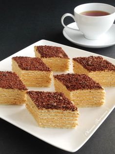 Culinary moments: Mikado cake The Armenian Mikado cake is thin cakes layered with cream based on boiled condensed milk. The cake is very tasty! Also, this cake is convenient in that it can be prepared a few days before the start of the holiday. Napoleon Pastry, Napoleon Dessert, Napoleon Cake, Cake Recipes, Dessert Recipes, Desserts, Napoleons Recipe, Shortbread Cake, French Apple Tart