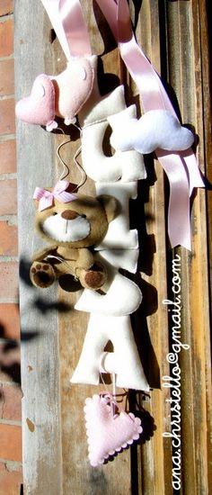 : Porta de maternidade - nome em feltro Luisa
