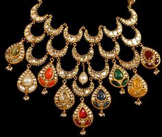 Looking for bridal necklace set? Browse of latest bridal photos, lehenga & jewelry designs, decor ideas, etc. on WedMeGood Gallery. Indian Jewelry Sets, India Jewelry, Gold Jewelry, Jewelery, Unique Jewelry, Bridal Necklace Set, Wedding Jewelry, Gold Necklace, Gold Set