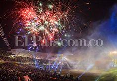 Juegos pirotécnicos iluminaron #CaliMundial durante la clausura de los Juegos Mundiales en el estadio Pascual Guerrero. Imágenes: http://www.elpais.com.co/elpais/colombia-juegos/fotos/world-games-juegos-pirotecnicos-mundialistas