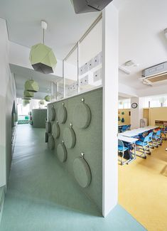 madrid-based daniel valle architects completes its latest renovation project for the first and second grade classrooms of DSSI elementary school in seoul. Classroom Architecture, Kindergarten Interior, Clinic Design, Classroom Design, Learning Spaces, Kid Spaces, Office Interiors, School Design, Elementary Schools