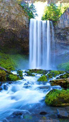 Beautiful Nature Pictures Beautiful Landscapes Beautiful World Beautiful Places Emerald Lake