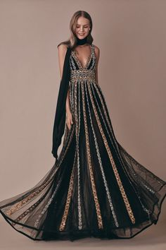 Get inspired and discover Elie Saab trunkshow! Shop the latest Elie Saab collection at Moda Operandi. Style Couture, Couture Fashion, Runway Fashion, Luxury Fashion, Elie Saab Couture, Elegant Dresses, Nice Dresses, Club Dresses, Couture Dresses