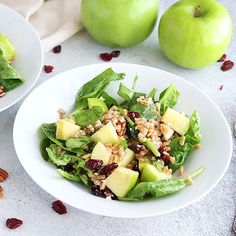 This autumn apple farro salad contains crunchy Granny Smith apples, pecans, dried cranberries, feta Farro Recipes, Apple Salad Recipes, Healthy Salad Recipes, Vegetarian Recipes, Cooking Recipes, Arugula Salad Recipes, Farro Salad, Spinach Salad, Granny Smith