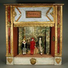 Joli opéra ancien avec ses acteurs - Poupées et Maisons Antiquités