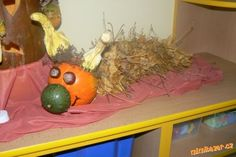Housenky z listí Kids Crafts, Painting, Art, Craft Art, Paintings, Kunst, Gcse Art, Draw, Drawings