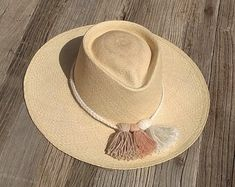 Check out our straw hat selection for the very best in unique or custom, handmade pieces from our shops. Fancy Hats, Cute Hats, Macrame Headband, Painted Hats, Boho Hat, Diy Hat, Fedoras, Wedding Hats, Hat Shop