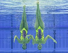 I could never in a million year do syncronized swimming... if my feet dont touch the floor im out!