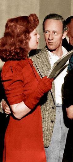 Look at how Leslie Howard is staring at Greer Garson. More Rhett Butler then Ashley Wilkes!!