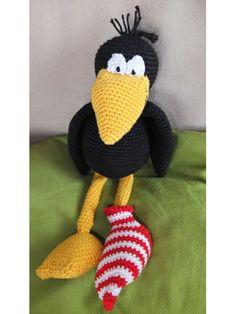 Rabe Socke gehäkelt, crochet raven rascal, Häkelanleitung deutsch, crochet pattern in German: http://de.dawanda.com/product/42528550-Haekeltier-Amigurumi-Rabe