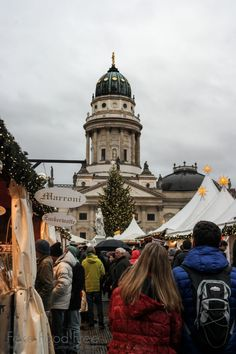 WeihnachtsZauber auf dem Gendarmenkt | What to Eat and Drink at Berlin Christmas Markets | Fake Food Free Travels