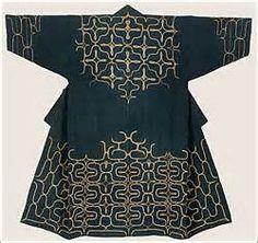 Embroidered cotton robe (Chijiri) by the Ainu people (Hokkaido, Northern Japan), late century Traditional Japanese Art, Japanese Design, Traditional Dresses, Japanese Textiles, Japanese Fabric, Japanese Kimono, Ainu People, Japan Outfit, Indigo
