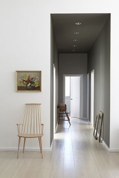 Still Mad About … Grey Paint Colours corridor wall in grey moss 234 and cool arbour 232 facing wall in wood ash 229 Little Greene Farbe, Little Greene Paint, Contemporary Hallway, Modern Hallway, Shades Of Grey Paint, 50 Shades, Casa Milano, Best Gray Paint, Hall Painting
