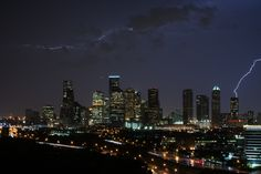 Houston : http://bocoyote.tumblr.com/post/58295438057/tonights-sky