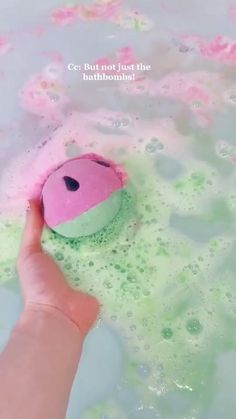 Jewelry Bath Bombs, Bath Bombs With Rings, 5 Minute Crafts Videos, Craft Videos, Bath Booms, Teenage Girl Gifts Christmas, Oddly Satisfying Videos, Everyday Hacks, Gifts For Teens