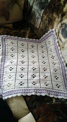 http://littlemonkeyscrochet.com/call-the-midwife-inspired-baby-blanket-free-pattern/