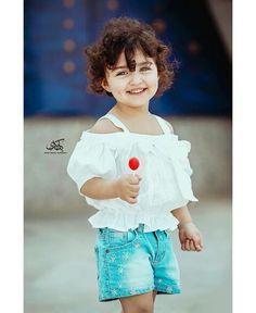 Cute Little Baby Girl, Cute Kids Pics, Cute Baby Girl Pictures, Little Girl Models, Cute Girl Pic, Beautiful Little Girls, Beautiful Children, Cute Girls, Cute Baby Girl Wallpaper