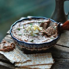 The Zimmern Family's Chopped Chicken Liver recipe. [This creamy version of the Jewish deli classic is flavored with lightly caramelized onions and decadent schmaltz, (rendered chicken fat)] Chicken Liver Recipes, Chicken Liver Pate, Chicken Livers, Passover Recipes, Jewish Recipes, Hanukkah Recipes, Passover Menu, Mousse, Gourmet