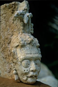 Maya; Palenque; Ancient Cultures; Americas; Archaeology; Mexico; Meso America; structure; ruins; Chiapas, Pakal, Limestone, Bust, head, Temp...