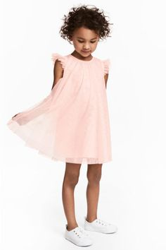 Light pink& Gently flared dress in glittery mesh with short butterfly sleeves and gathers at top. Opening at back of neck with button. Lined. Fashion Kids, Kids Wear, Children Wear, Children Clothes, Tulle Dress, Fashion Company, Flare Dress, Fashion Online, Ideias Fashion