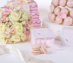 Les macarons de Mikimoto x Ladurée http://www.vogue.fr/mariage/adresses/diaporama/les-macarons-de-mikimoto-x-ladure/19800#les-macarons-de-mikimoto-x-ladure