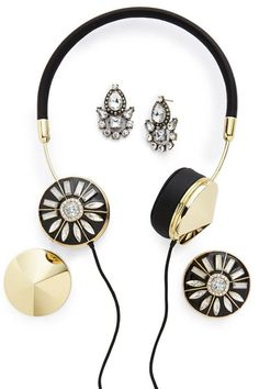Bauble Bar x Frends headphones, shop the chicest tech gifts to give this holiday season here: