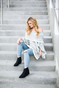 Off the Shoulder Sweater & Ripped Denim