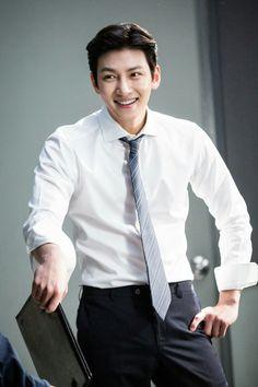 """[Drama] Ji Chang Wook looks dashing in suits in """"Suspicious Partner"""" Ji Chang Wook Smile, Ji Chang Wook Healer, Ji Chan Wook, Asian Celebrities, Asian Actors, Korean Actors, Korean Dramas, Korean Star, Korean Men"""