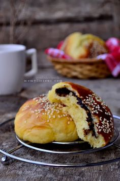 Food photography, cake, cookies and Indonesian food. Breakfast Photography, Food Photography, Pull Apart Bread, Bakery Cakes, Indonesian Food, Bread Rolls, I Foods, Cake Recipes, Food And Drink