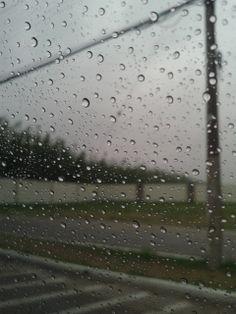365/13 - No dia que tenho que ir no centro chove.