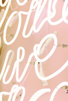 Photography : Helynn Ospina / Neon light designed by Emily Mughannam