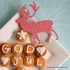 Norwegian almond cookies. God Jul = Merry Christmas.