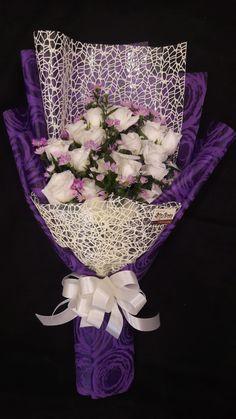 Flower Bookey, Felt Flower Bouquet, Bouquet Wrap, Diy Bouquet, Flower Crafts, How To Wrap Flowers, Hand Flowers, Diy Flowers, Elegant Flowers
