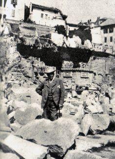 Snapshot taken of Oscar Wilde in Rome in 1898
