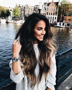 everything ab this picture is goals; hair, face, clothes & where she's at Hair Inspo, Hair Inspiration, Brunette Hair, Mi Long, Hair Day, Dark Hair, Brown Hair, Gorgeous Hair, Balayage Hair