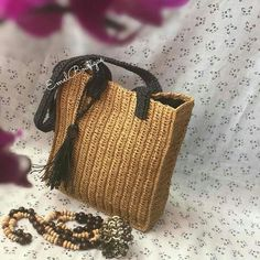 Crochet Clutch, Crochet Handbags, Knit Crochet, Fashion Bags, Fashion Jewelry, Basket Bag, Simple Bags, Summer Bags, Handmade Bags