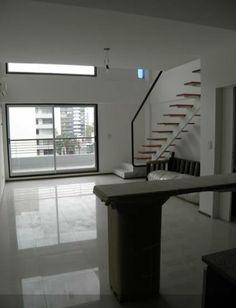 Dúplex http://alquilar-casa.vivavisos.com.ar/alquilar-departamento+abasto/dpto--2-amb--tipo-duplex-a-estrenar/45728985