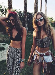 Festival season has already begun with Coachella, arguably the most stylish music event, but it is not the only one. Definitely in every country there is at least one summer music festival to atten… Festival Looks, Rave Festival, Festival Style, Festival Wear, Festival Fashion, Reggae Festival, Coachella Festival, Festival 2016, Hippie Festival
