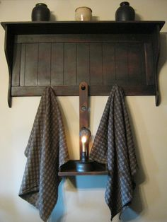 Would prefer something like this as a towel rack in the bathroom, with perhaps 4 hooks. Primitive Furniture, Primitive Antiques, Country Primitive, Primitive Decor, Primitive Bedding, Primitive Shelves, Primitive Bathrooms, Vintage Bathrooms, Prim Decor