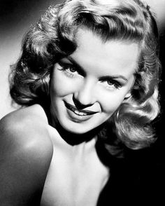Hello and Welcome to the Marilyn Monroe Fan Site. Take a peek through the fine collection of Marilyn Monroe videos, photographs and gifs. Young Marilyn Monroe, Marilyn Monroe Portrait, Groucho Marx, Vintage Hollywood, Classic Hollywood, Hollywood Icons, Hollywood Actresses, Portraits, Norma Jeane