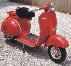 1964 Vespa Allstate. Notice that this is a stripped down VNB - no front dampener, no cowl chrome trim…but still really nice.