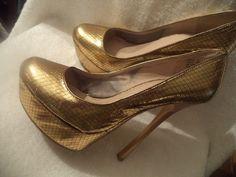 Women Zigi Soho Platform Gold Tone 6 inch Heel Shoes Size 10 #ZigiSoho #PlatformsWedges