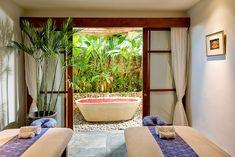http://privatevillasandhouses.com/bali/wp-content/uploads/2010/04/Longhouse-Spa-massage-room.jpg