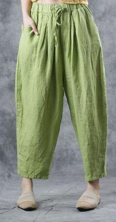 Modern elastic waist harem pants linen Photography green pants summer - All About Linen Pants Women, Linen Trousers, Pants For Women, Clothes For Women, Fashion Pants, Fashion Outfits, Estilo Hippie, Pantalon Large, Dress Indian Style