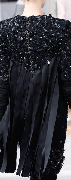 Chanel Fall 2016 Haute Couture ~details